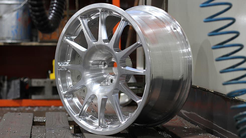 Восстановление кованых колесных дисков